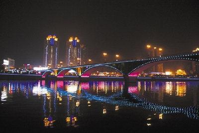 今年内江将在启动内威高速公路,资威快速通道,乐自高速公路隆昌延长线